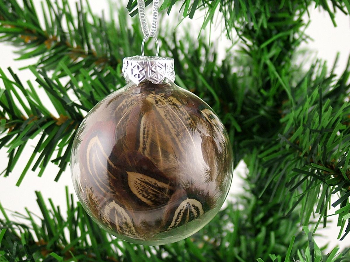 online retailer c19d4 45e06 Christmas Feather Baubles using Pheasant and Partridge feathers