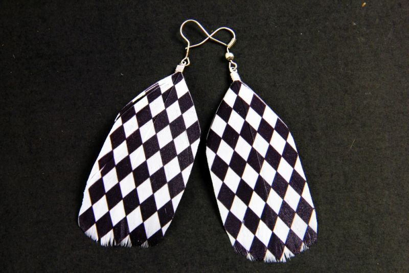 Checkered Diamond Feather Earrings 1