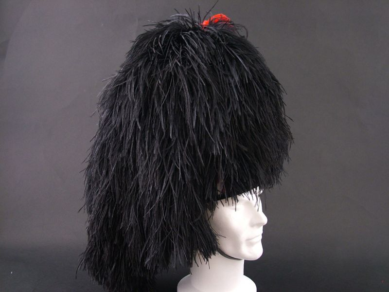 Pipers Feather Bonnet 1